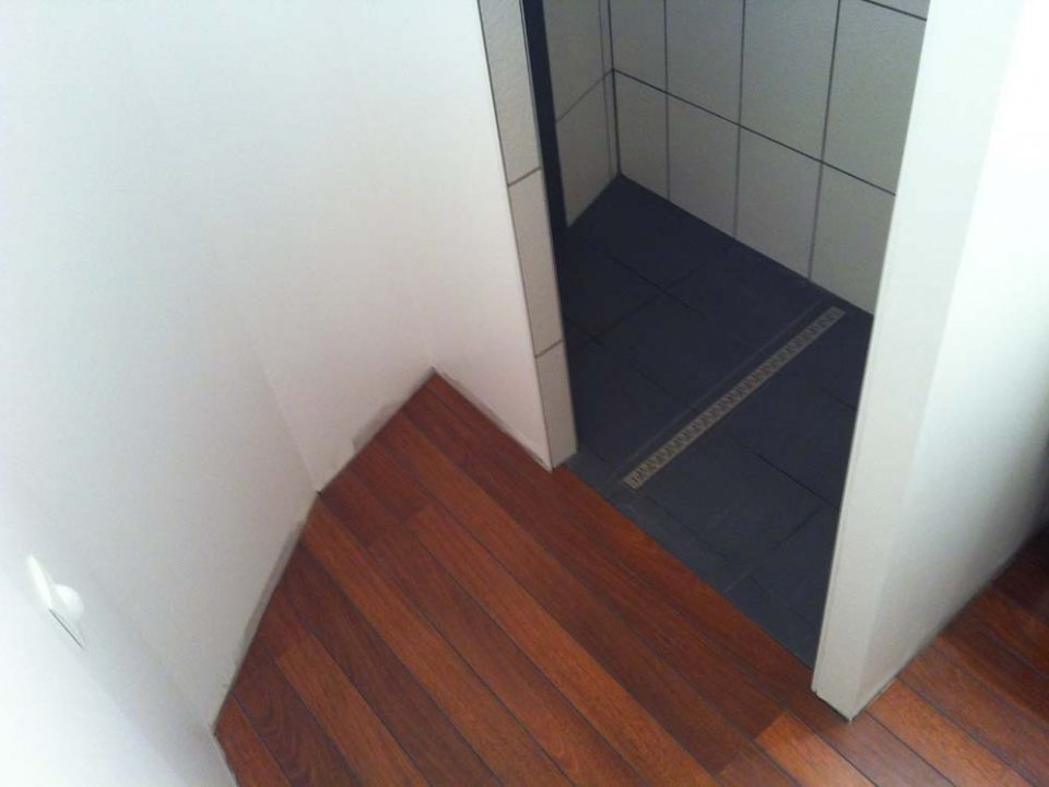 Sol piece humide best sol vinyl salle de bain rev tements - Sol stratifie pour piece humide ...